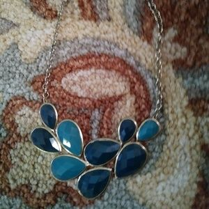 Jewelry - Cute turqoise and blue necklace